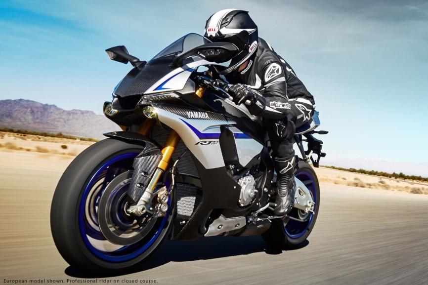 2015-Yamaha-YZF-R1M-22