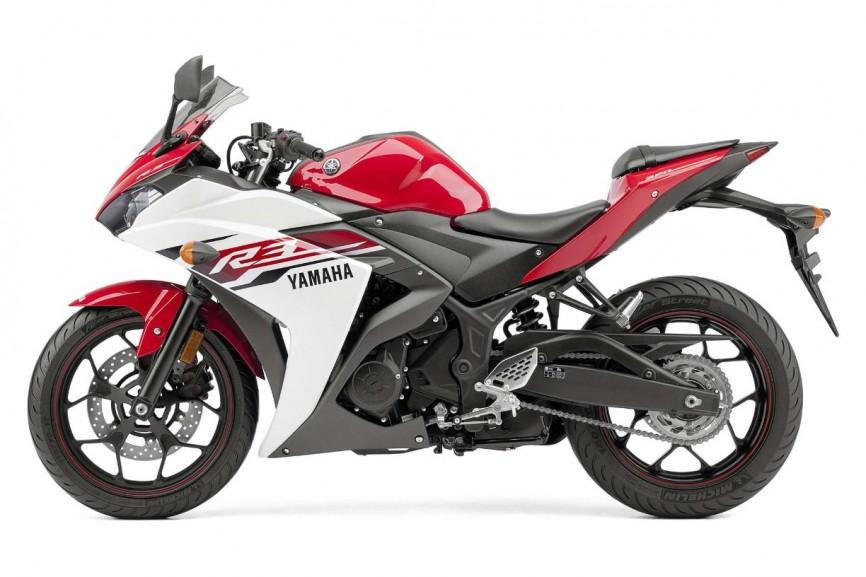 2015-Yamaha-YZF-R3-2