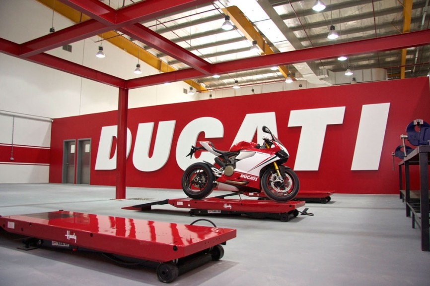New mystery Ducati coming – new Streetfighter or upgraded 899 Panigale