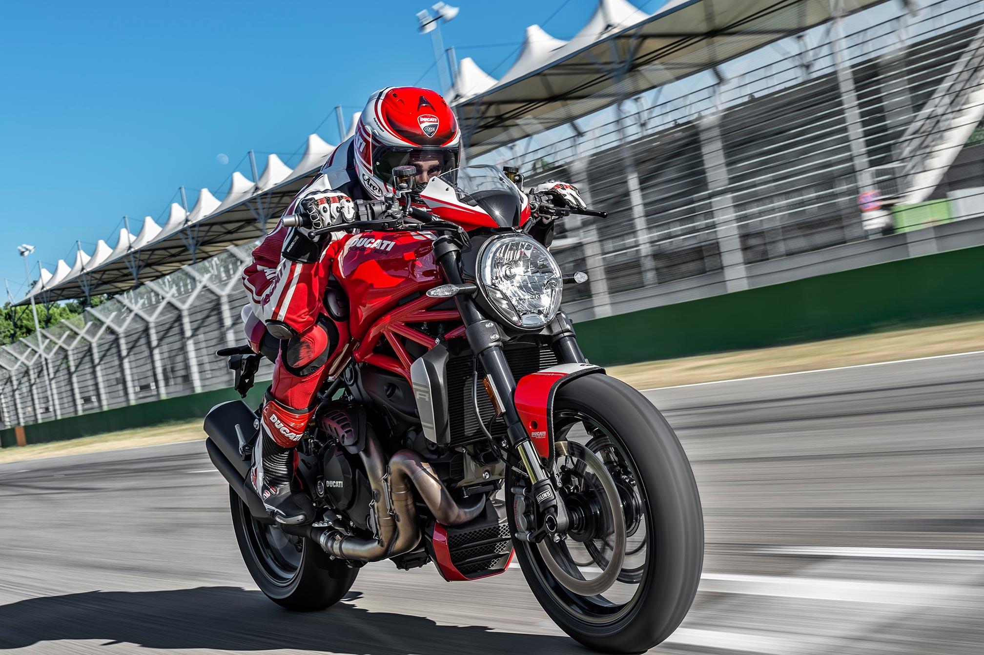 2016-Ducati-Monster-1200R1