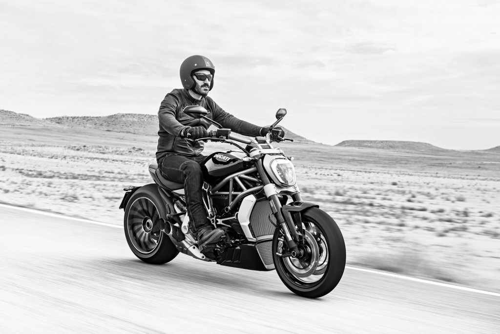 2016-Ducati-XDiavel-S-05