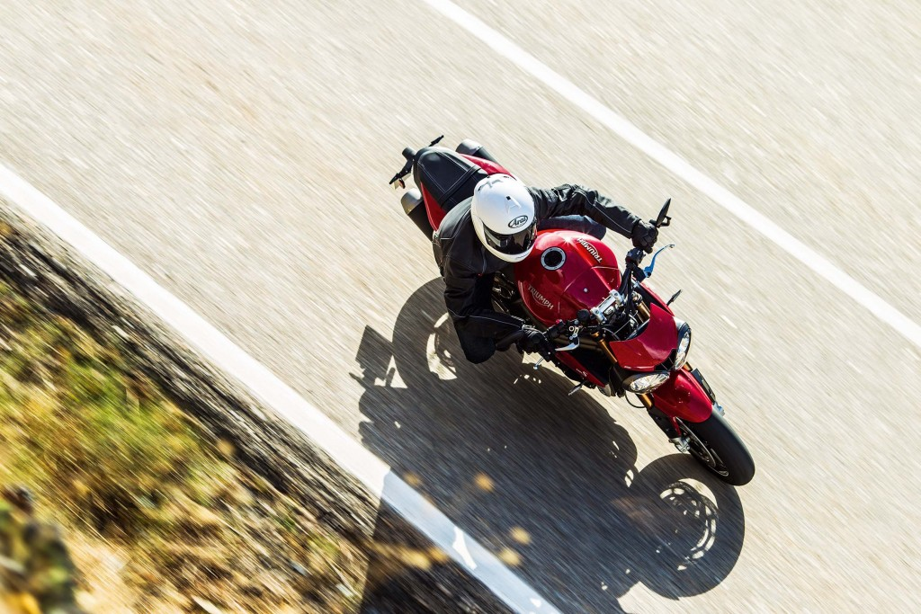 2016-Triumph-Speed-Triple-01