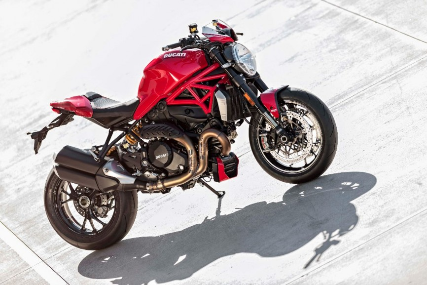 2016-Ducati-Monster-1200-R-still-27