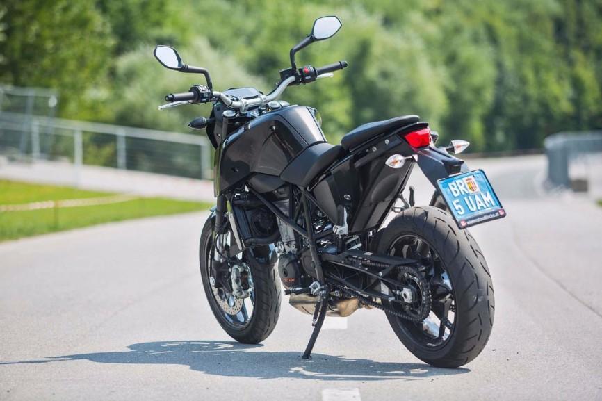 2016-KTM-690-Duke-update-08