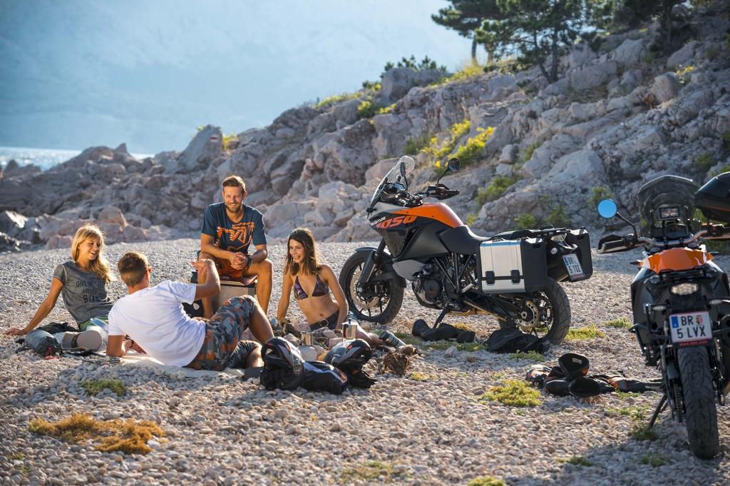 2015-KTM-1050-Adventure-EICMA-16