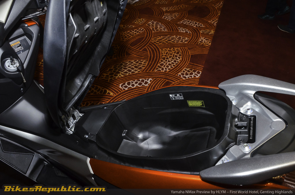 YAMAHA_NMAX_PREVIEW_-13