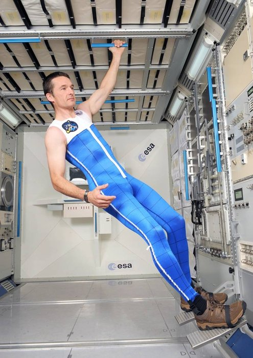 dainese-creates-two-space-suits-for-mars-missions_5