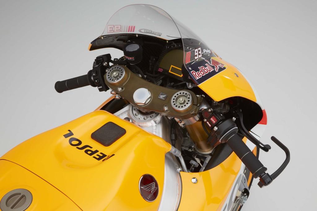 2016-Honda-RC213V-Marc-Marquez-18