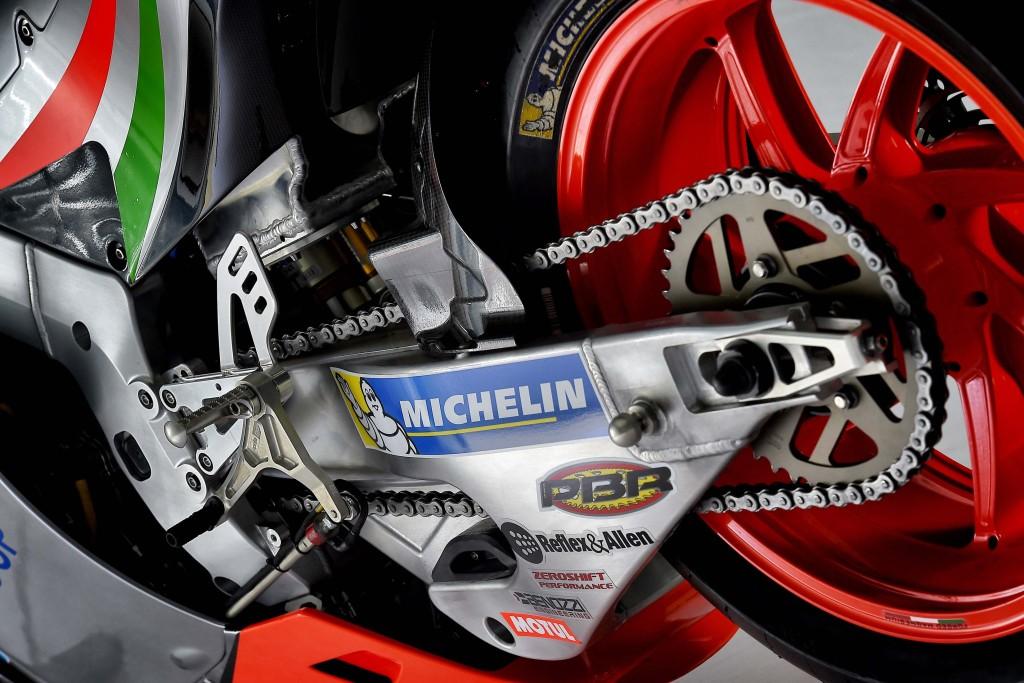 2016-Aprilia-RS-GP-MotoGP-11