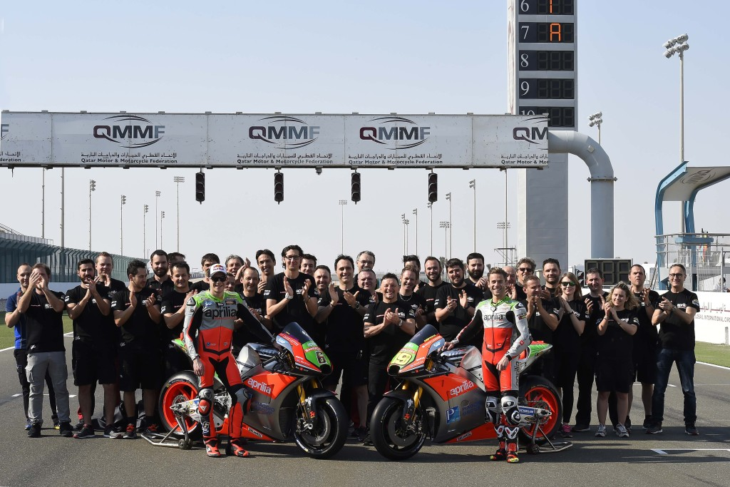 2016-Aprilia-RS-GP-MotoGP-team-03