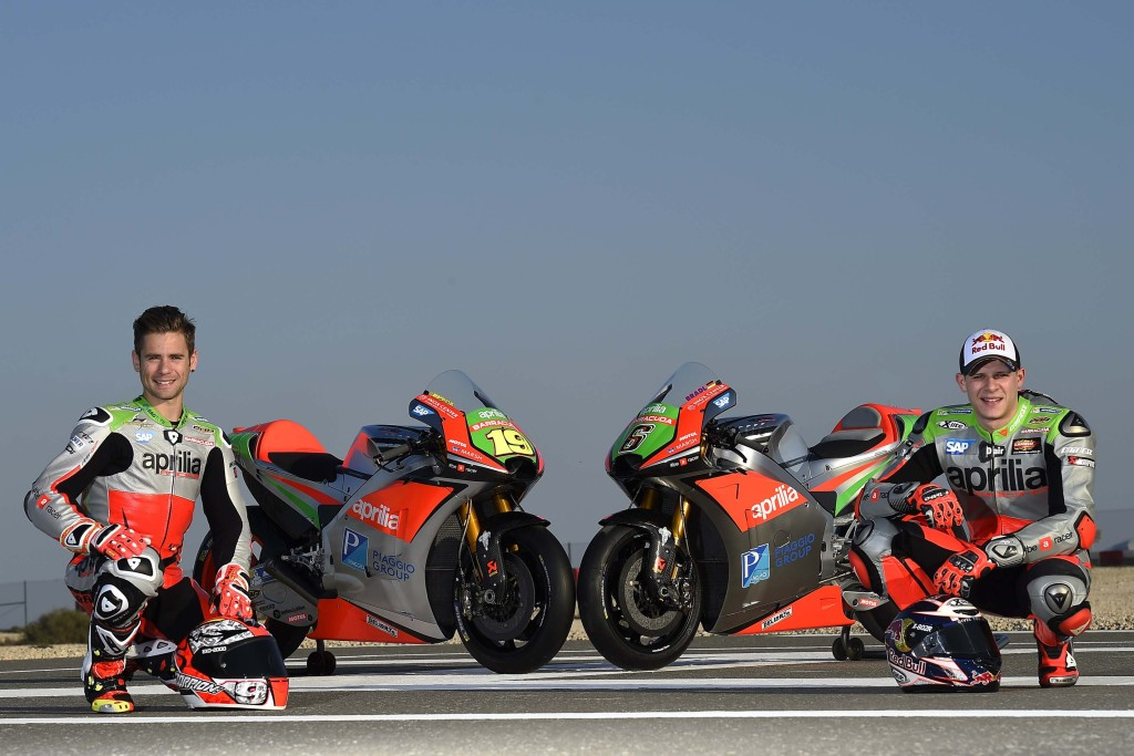 2016-Aprilia-RS-GP-MotoGP-team-05