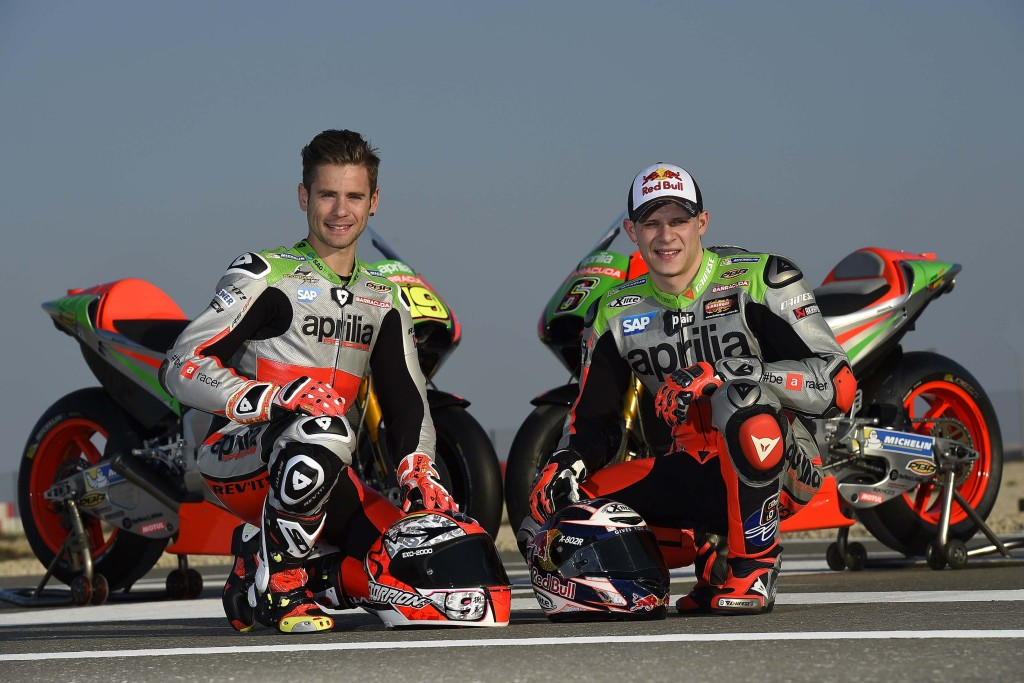 2016-Aprilia-RS-GP-MotoGP-team-06
