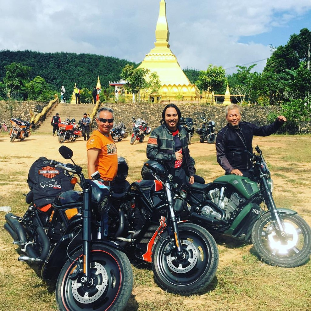 Simon, Jehan, Rambo in Laos.