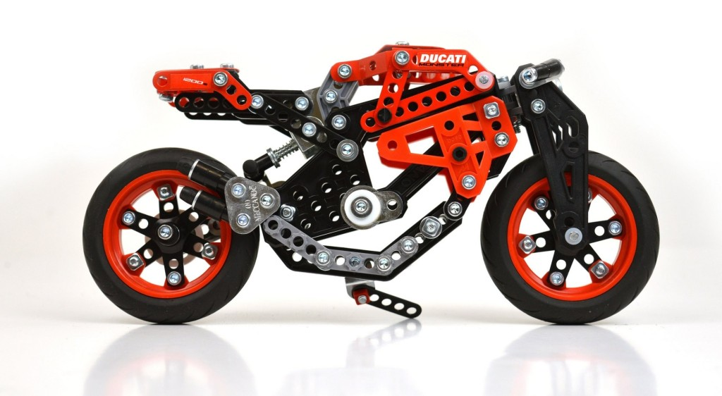 ducati-meccano-model-sets-are-probably-the-best-built-it-yourself-toys_3