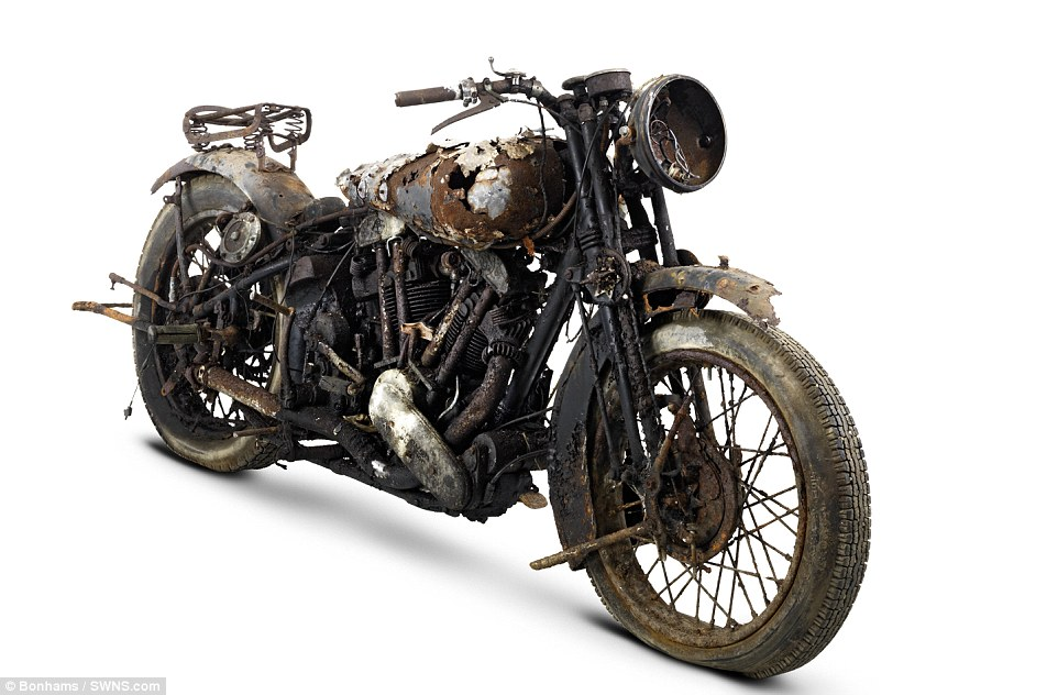 2F5D281100000578-3359441-Brough_Superior_bikes_built_from_1924_until_1940_are_the_most_so-m-52_1450107421776