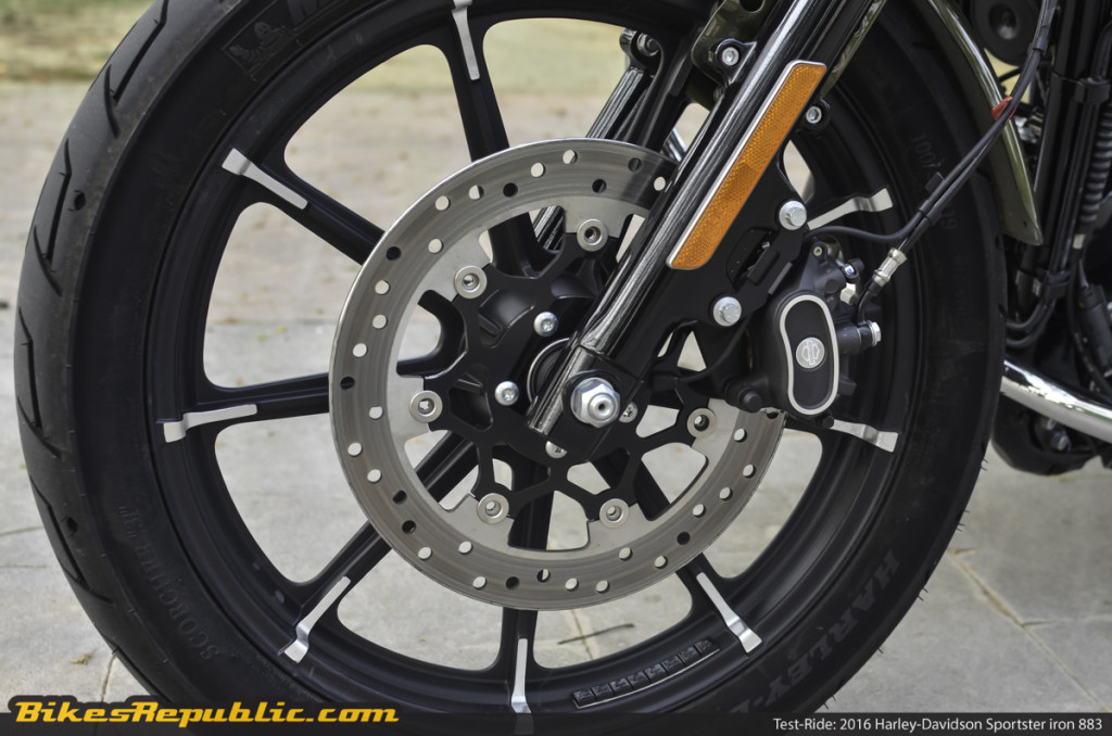 BR_HD_Sportster_Iron_883_