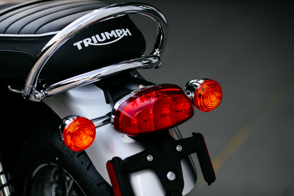 Highlights for the Bonneville T120 and T120 Black are the LED rear lights.
