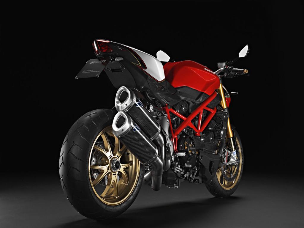 2011-Ducati-StreetfighterSe