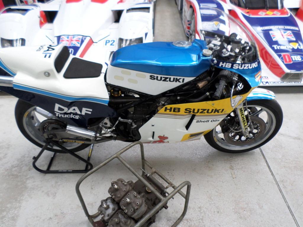 barry-sheene-s-1983-heron-suzuki-rg500-grand-prix-bike-spotted-on-ebay_11