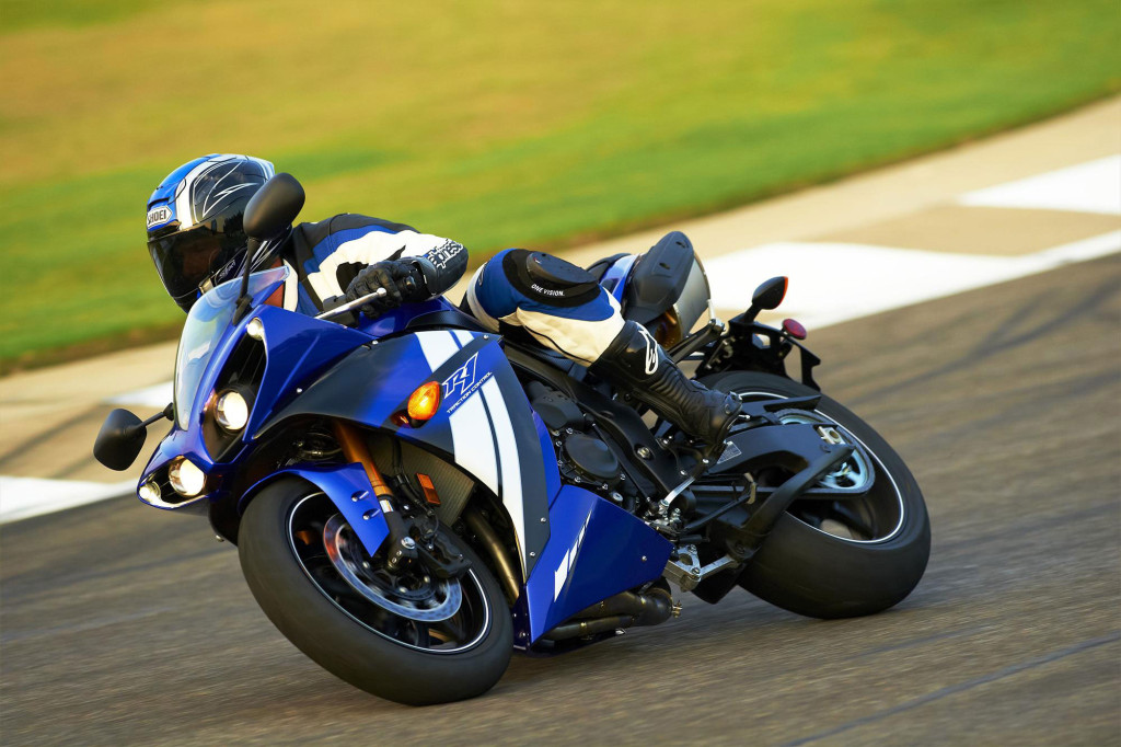 2012-Yamaha-YZFR1g