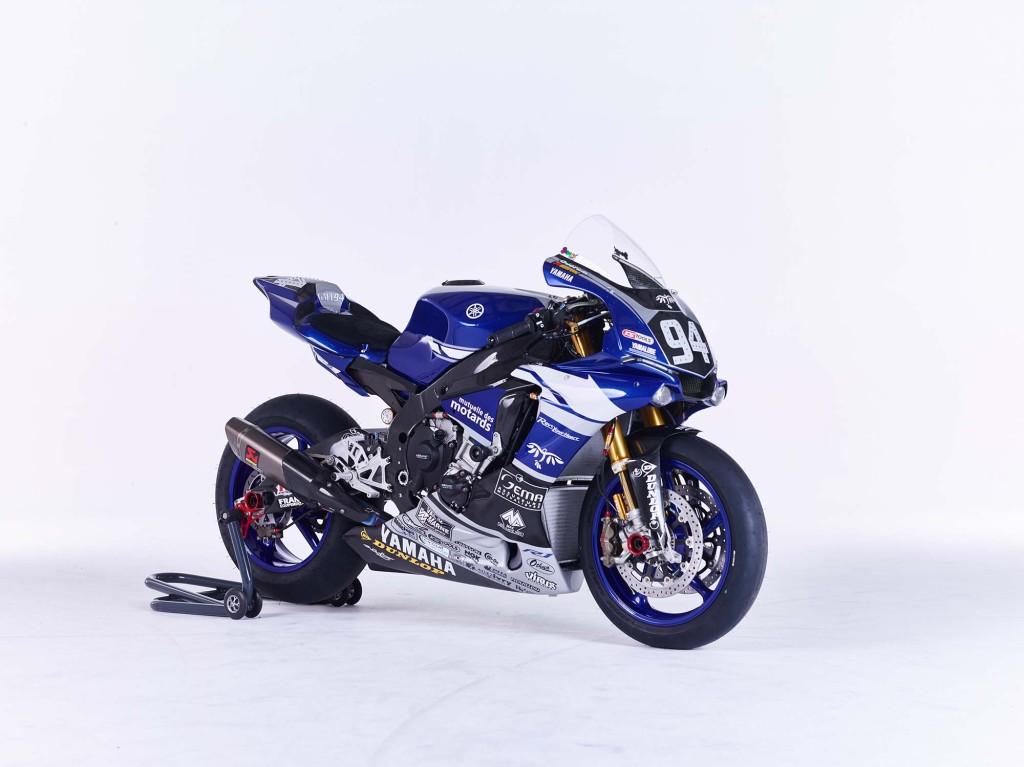 GMT94-Yamaha-YZF-R1-Official-EWC-race-bike-16