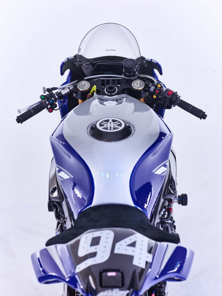 GMT94-Yamaha-YZF-R1-Official-EWC-race-bike-21