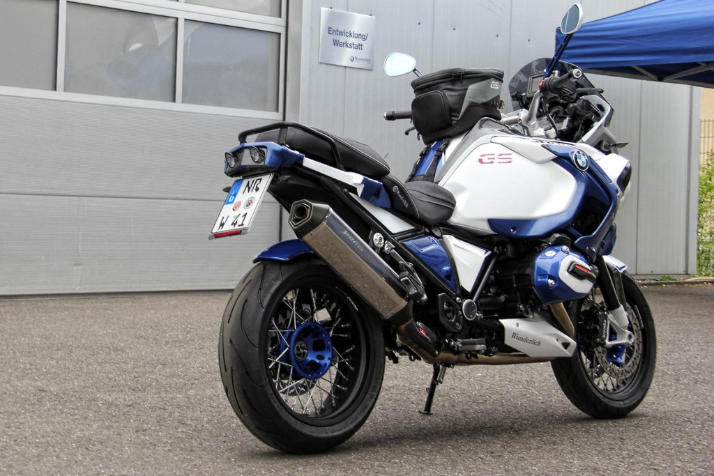 can-you-spot-the-bmw-r1200gs-adventure-in-these-photos_3