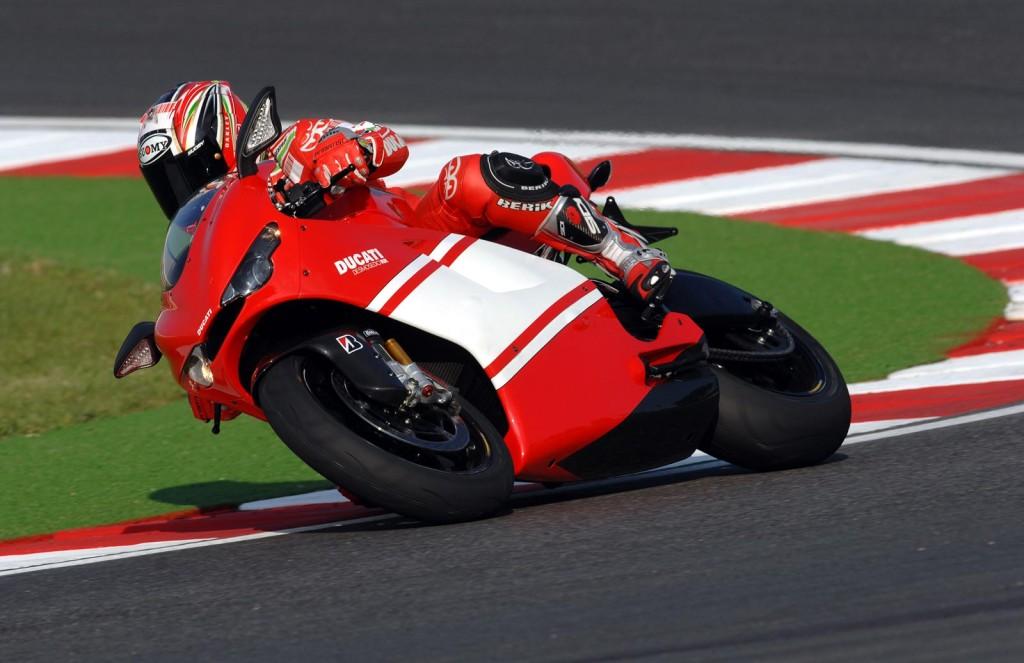 2008-Ducati-DesmosediciRRb