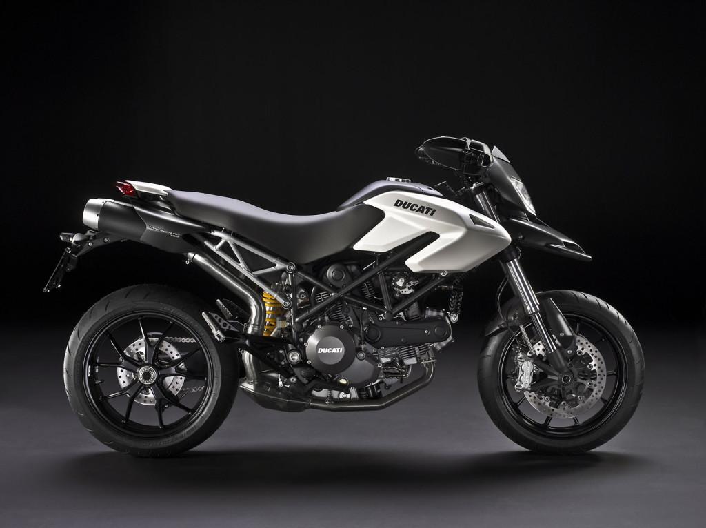 2010-Ducati-Hypermotard796b