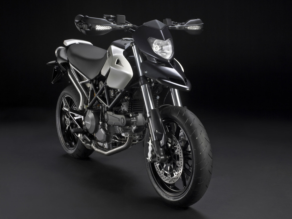 2010-Ducati-Hypermotard796d
