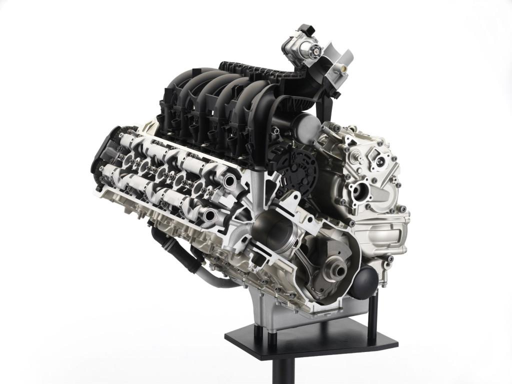 2011-BMW-K1600GT-GTLf