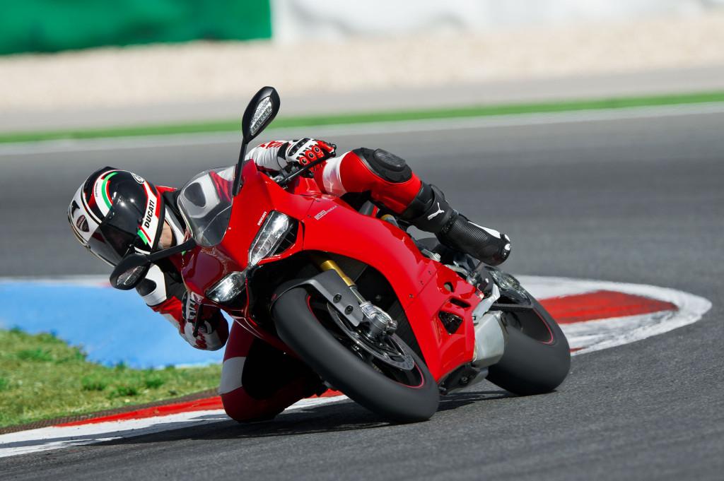 2012-Ducati-1199PanigaleS1
