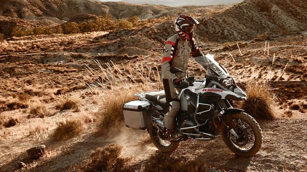 2016-BMW-R1200GS-Adventure2