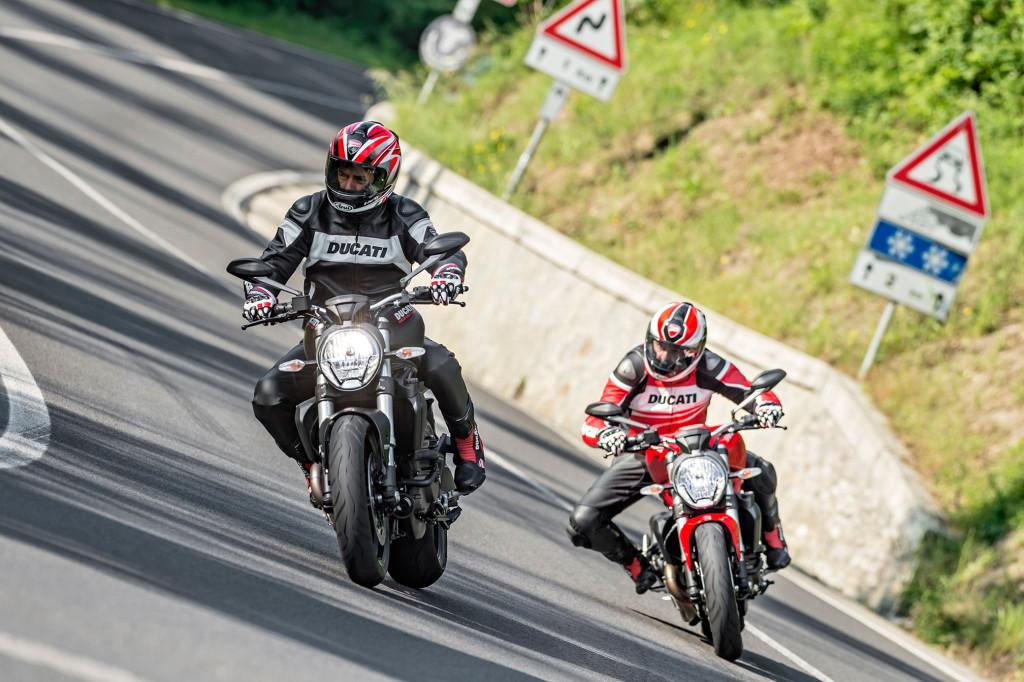 2016-Ducati-Monster-821a