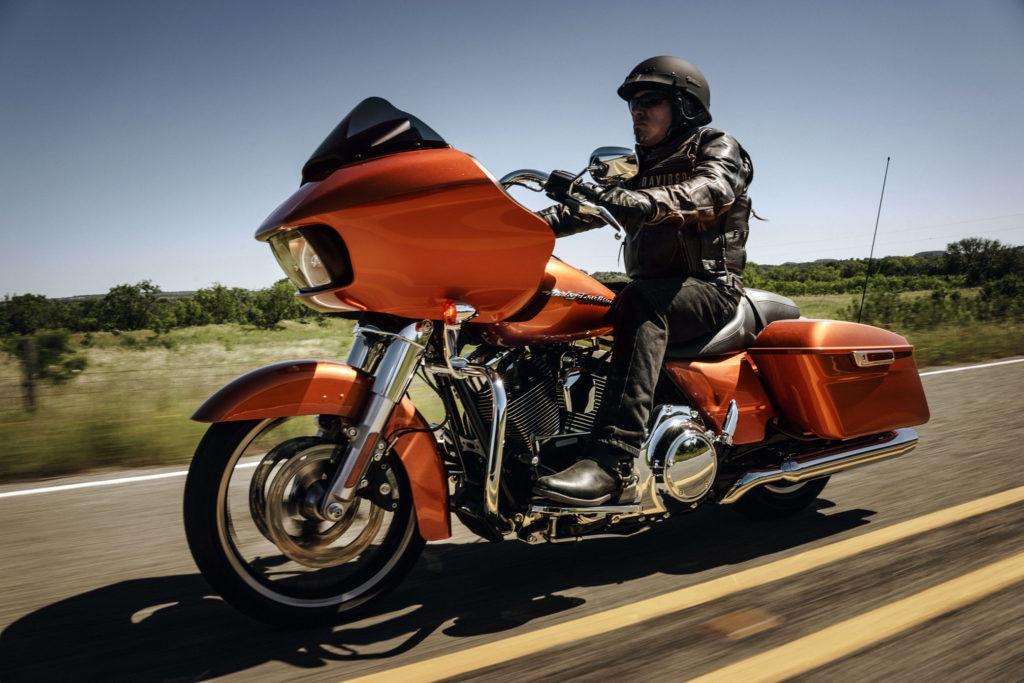 2016-Harley-Davidson-Touring-Road-Glide1