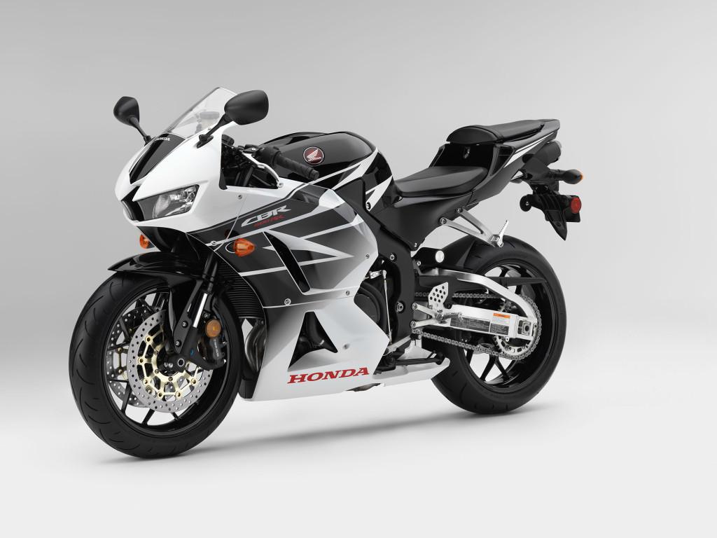 2016-Honda-CBR600RR1