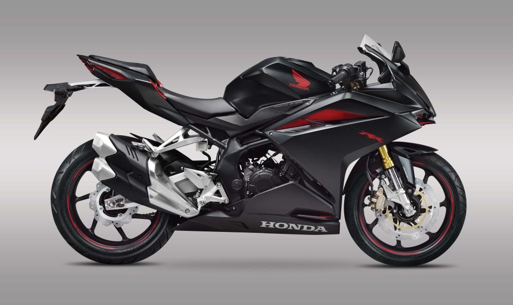 2017-Honda-CBR250RR-02