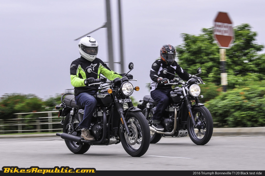 BR_2016_Triumph_Bonneville_T120_Black_test_ride_Rolling_-3