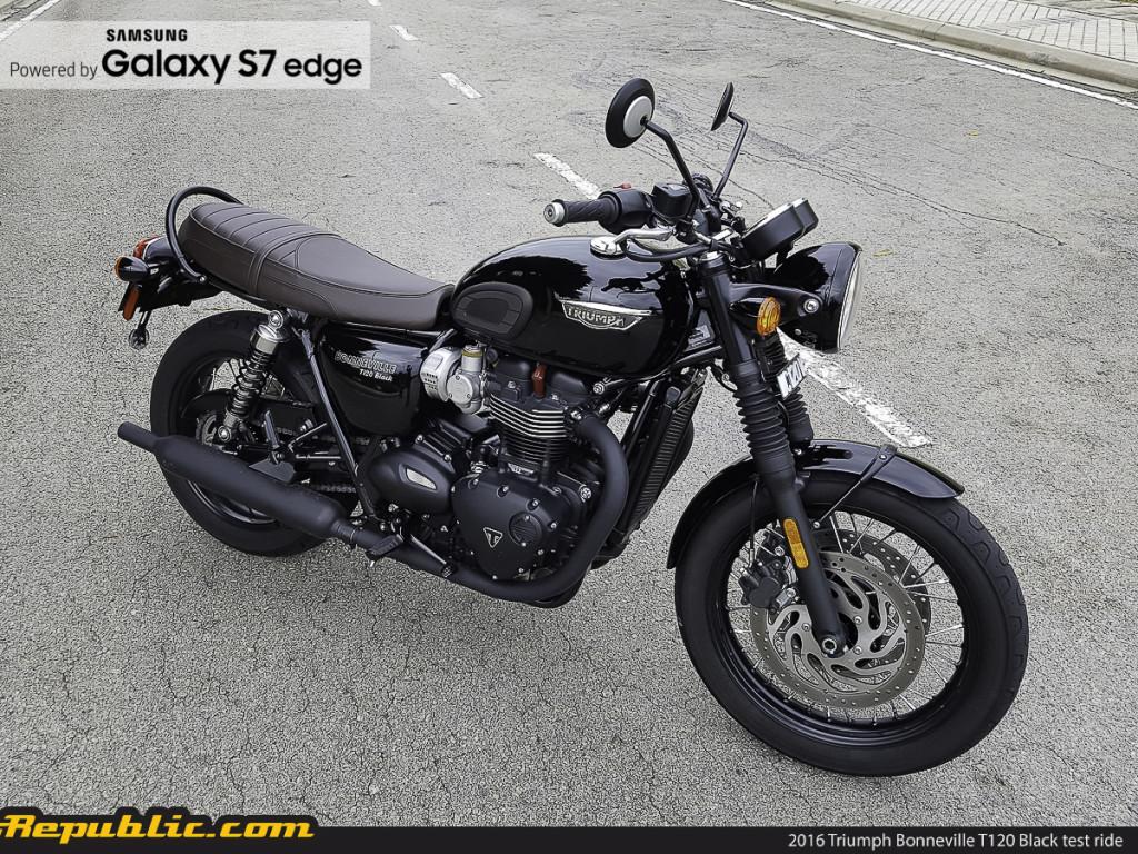 BR_Samsung_2016_Triumph_Bonneville_T120_Black_test_ride_-12