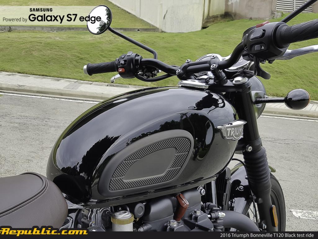 BR_Samsung_2016_Triumph_Bonneville_T120_Black_test_ride_-23