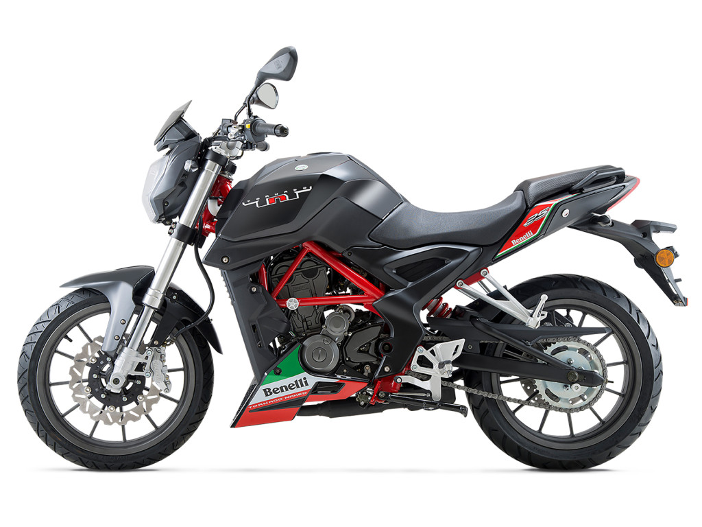 Benelli_TNT25_Black_Edition_003