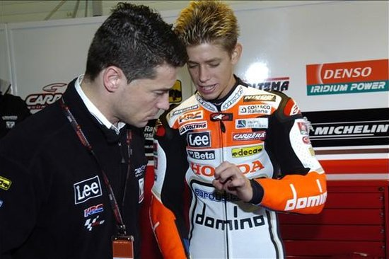 Casey Stoner in his rookie MotoGP year with the LCR Honda team. (Image source: RedBull.com)