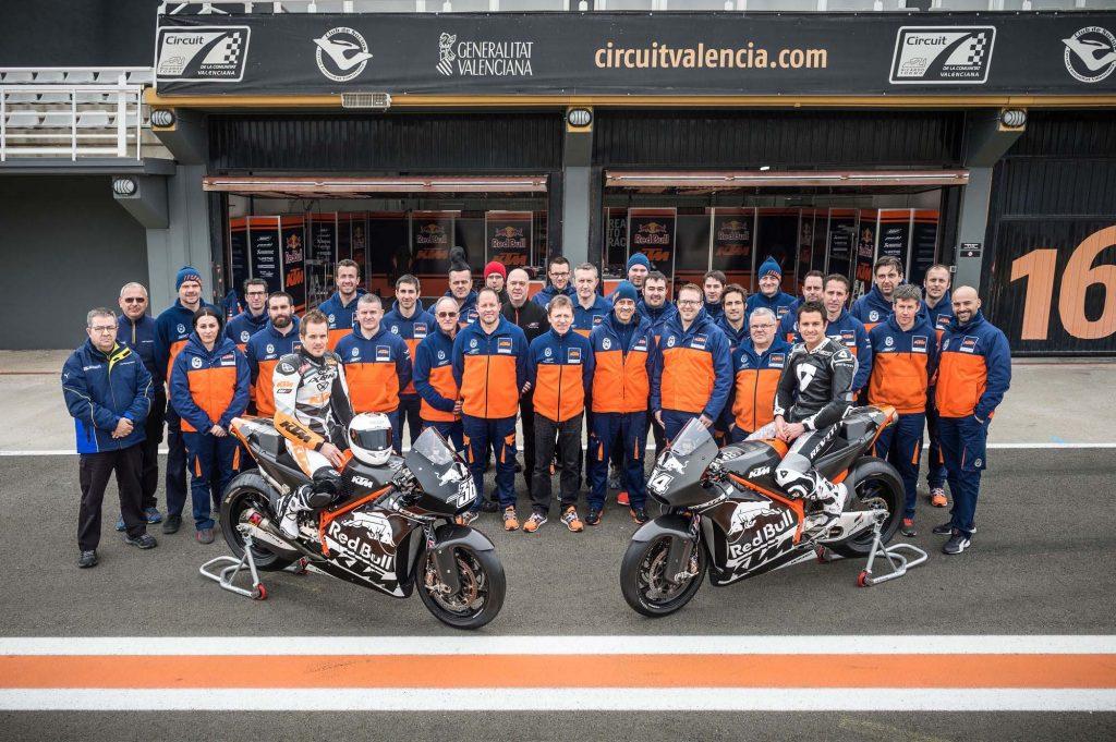 2017-KTM-RC16-MotoGP-team-03