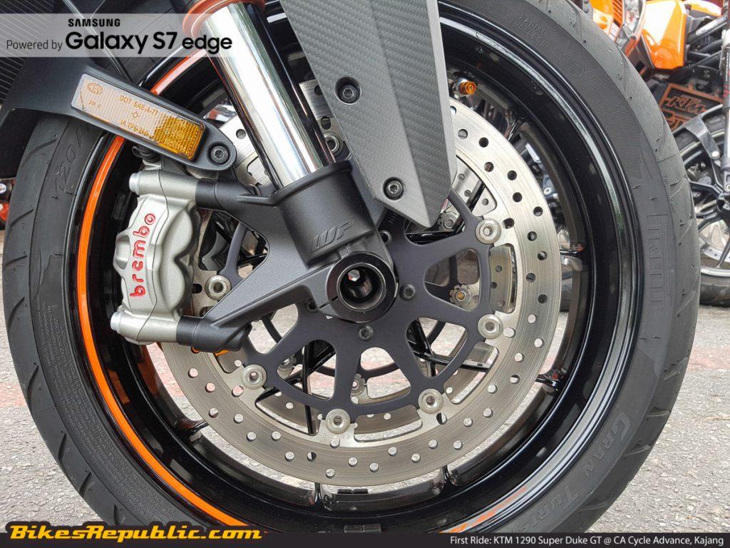 BR_Samsung_First_Ride_KTM_1290_Super_Duke_GT_-10
