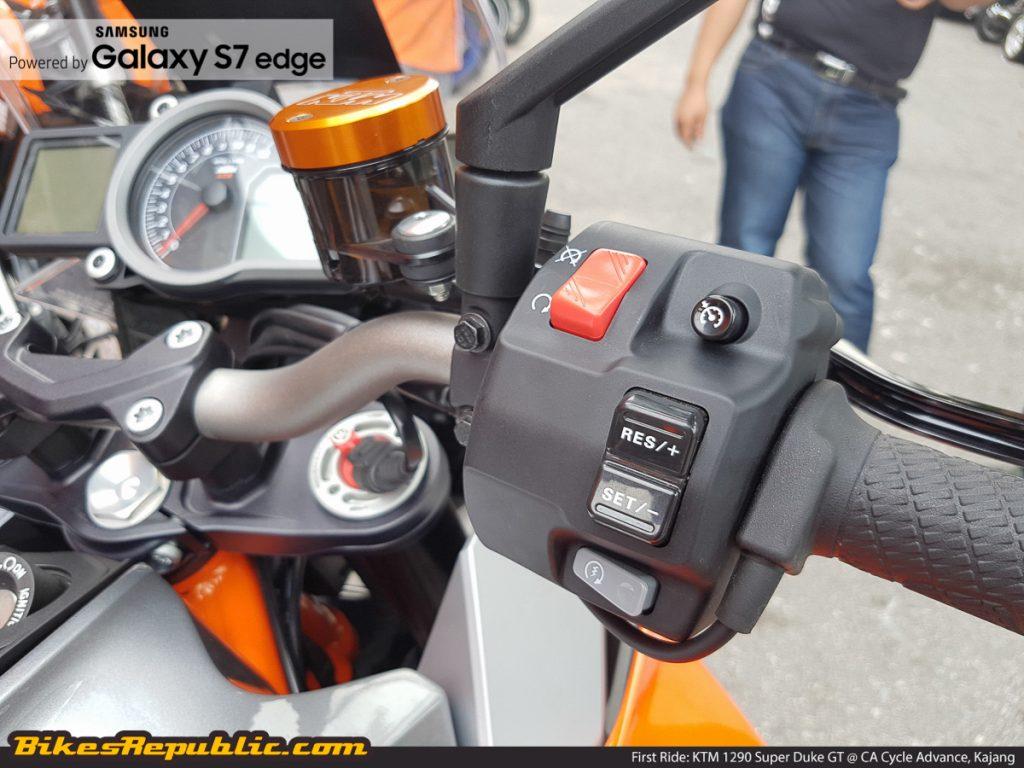 BR_Samsung_First_Ride_KTM_1290_Super_Duke_GT_-13