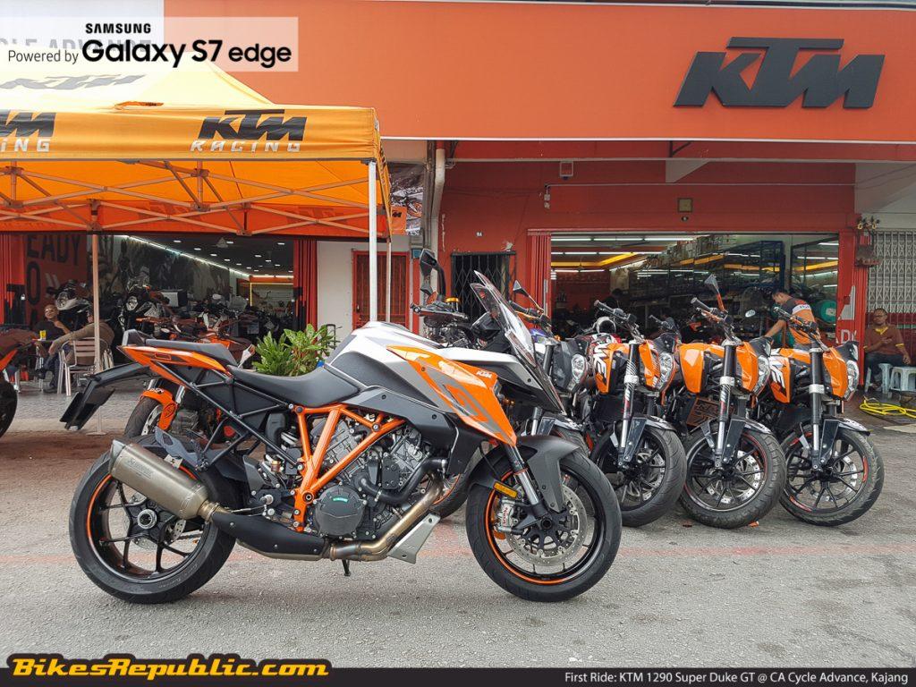 BR_Samsung_First_Ride_KTM_1290_Super_Duke_GT_-2