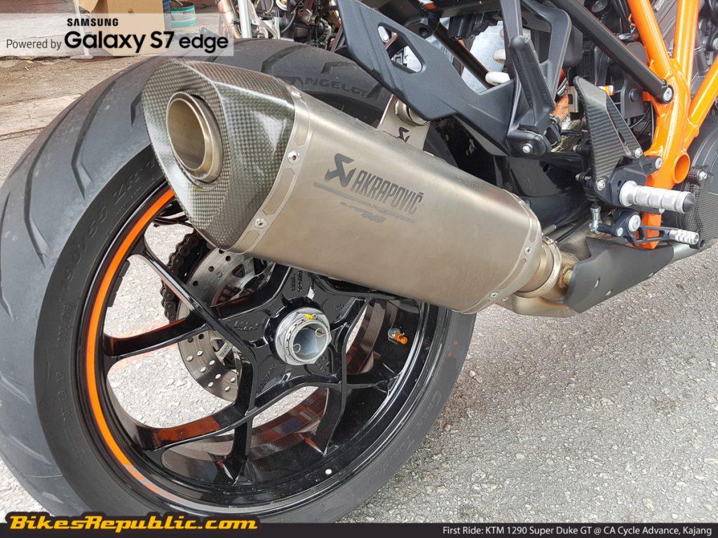 BR_Samsung_First_Ride_KTM_1290_Super_Duke_GT_-5