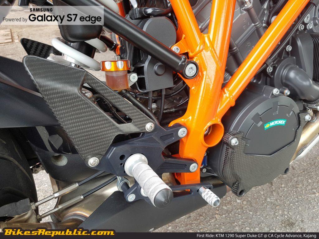 BR_Samsung_First_Ride_KTM_1290_Super_Duke_GT_-6