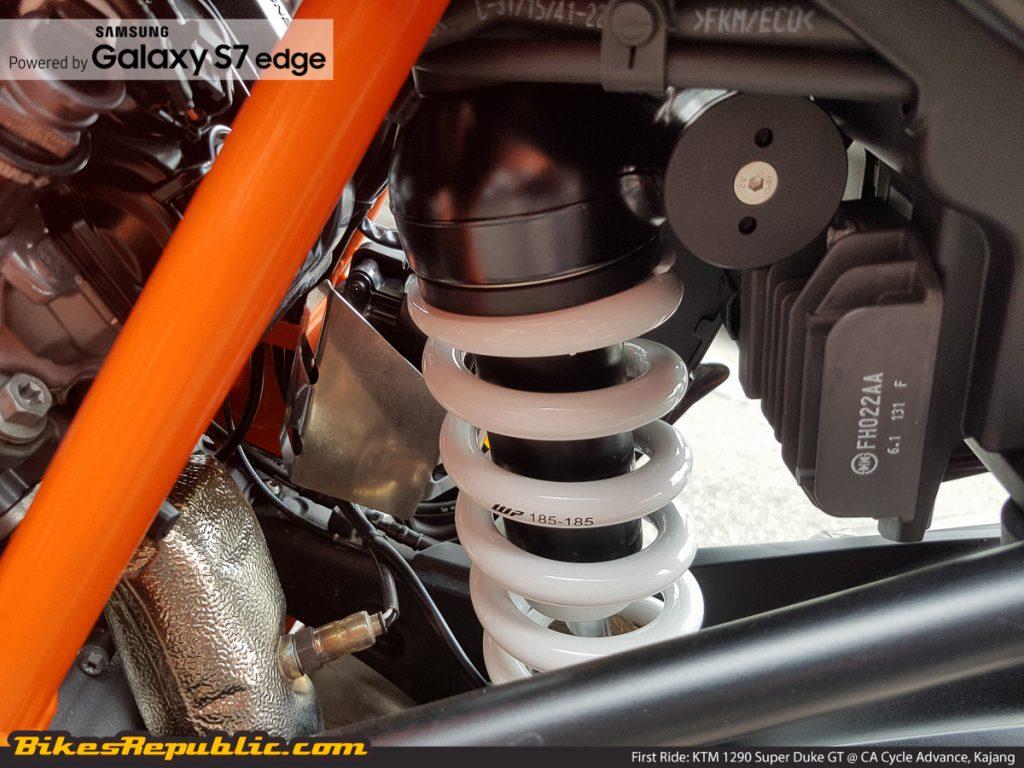 BR_Samsung_First_Ride_KTM_1290_Super_Duke_GT_-8