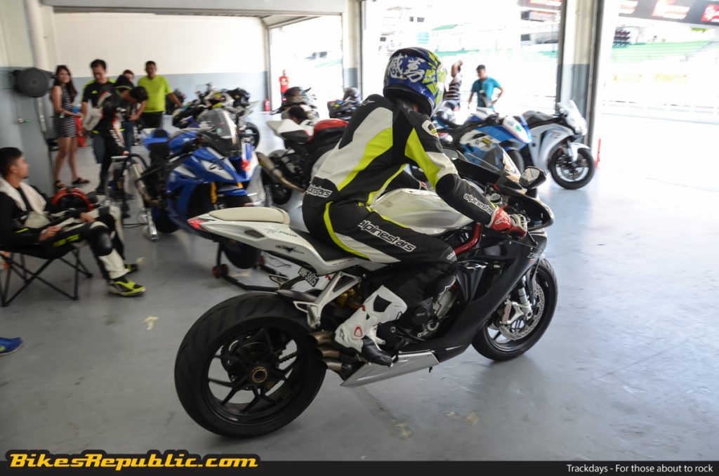 BR_Trackday_Tips_-3